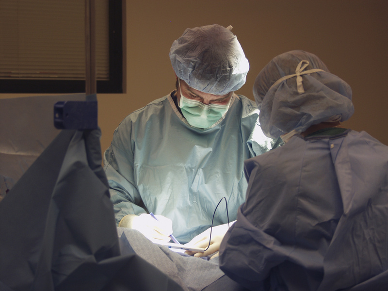 surgical team working